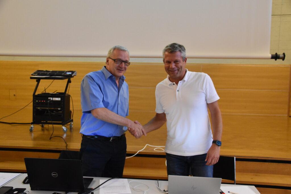 Daniel Bischof (links) wurde als Präsident bestätigt, und Martin Reut (rechts) zum Ehrenmitglied ernannt.